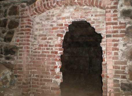 10 Mysterious Underground Cities