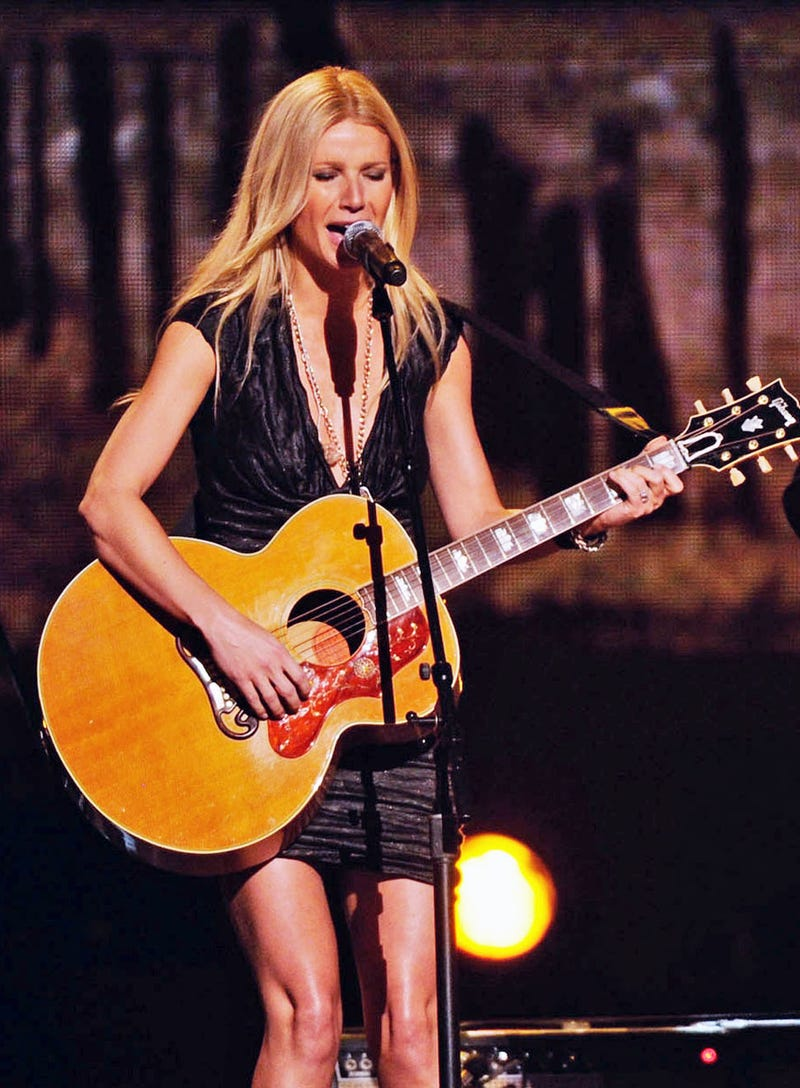 Passion of the Paltrow: Gwyneth Cried Five Times with Bleeding Hands to Learn Guitar