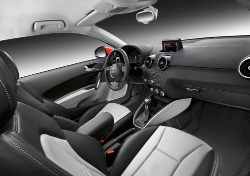 Audi A1: Interior Photos