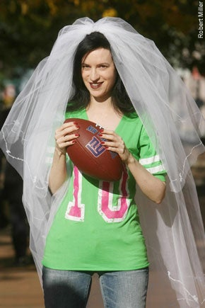 Single Chick Hopes To Score Hubby With Super Bowl Personal Ad