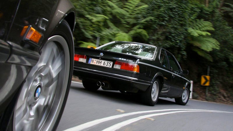 Your Ridiculously Cool BMW 635 CSi Wallpaper Is Here