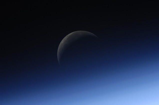 A Lua vista da Estação Espacial é de tirar o fôlego Além