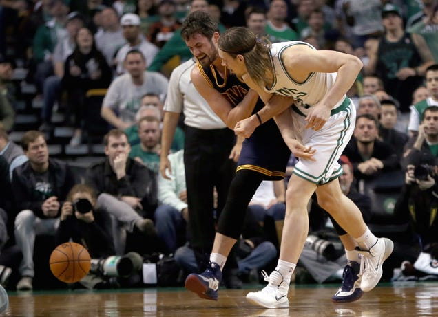 Kelly Olynyk Says He Accidentally Dislocated Kevin Love's Shoul…