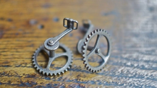 3D-Printed Cufflinks for Teeny Tiny Bikes Are Cooler than the Alternative