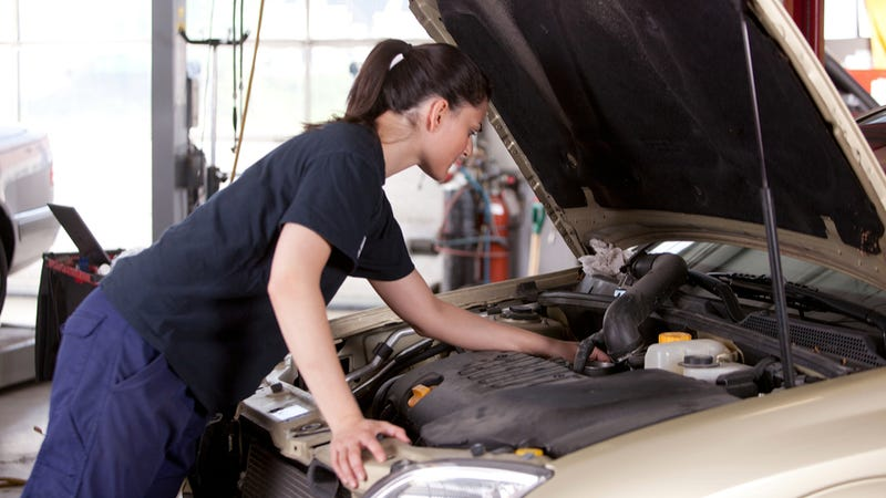 The Seven Kinds Of Female Mechanics According To Stock Photos