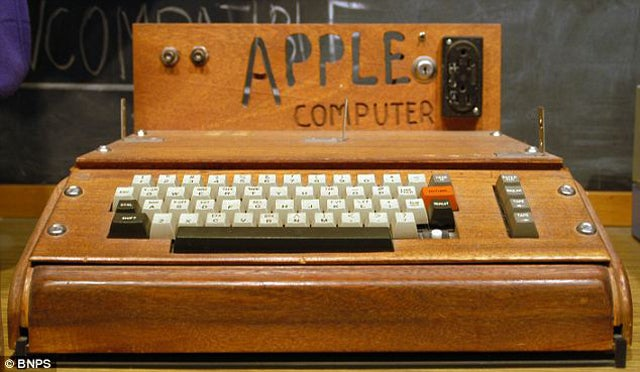 Own an Apple I For a Cool Quarter Million