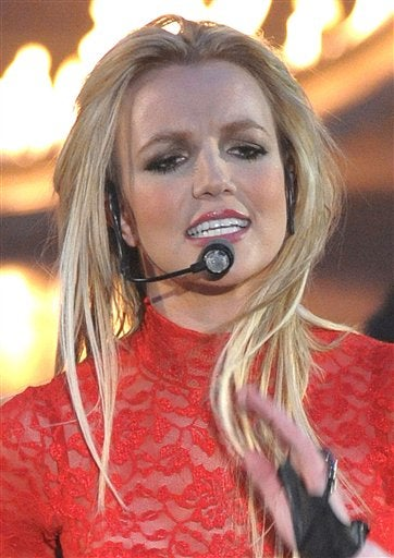 Britney's Confused; Beyoncé May Be Sued; Blair Waldorf Nude?