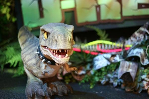 D-REX Pet Dinosaur Stalks Prey, Bites Your Sister, Doesn't Poop on the Floor