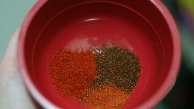 Use Cayenne Pepper to Stop Injuries from Bleeding