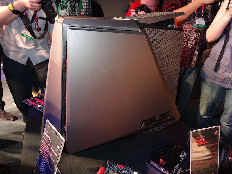 This Isn't Just a Gaming PC. No, It Transforms.