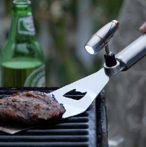 Magnetic BBQ Tool Light Brightens Up Your Beef