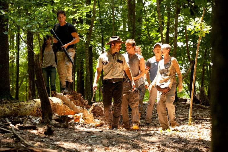 """The Walking Dead 2x02, """"Bloodletting"""" Pictures"""