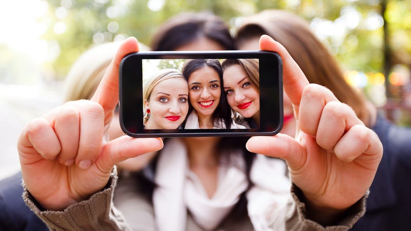 Selfies Have Led to a Head Lice Epidemic