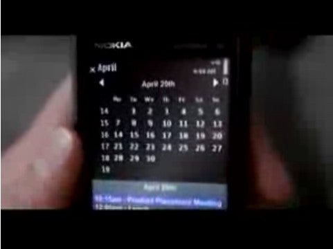 Nokia 5800 XpressMusic Abused by Britney Spears in New Video