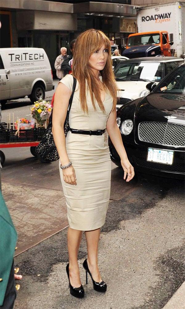 Jennifer Lopez: New Fancy Outfit, Same Dead Eyes