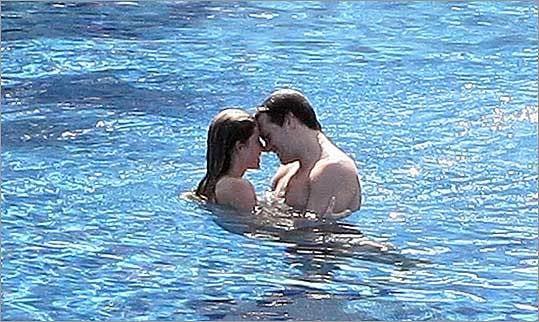 Dan Shaughnessy Doesn't Like It When Tom Brady Cuddles