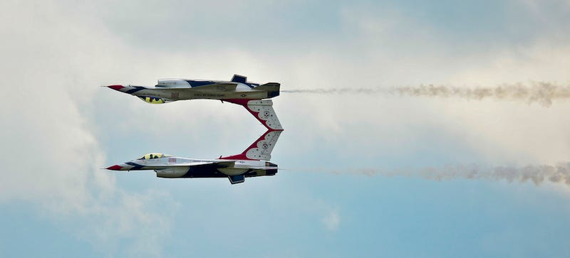 I love it when Thunderbird F-16s fly crazy close to make a mirror image