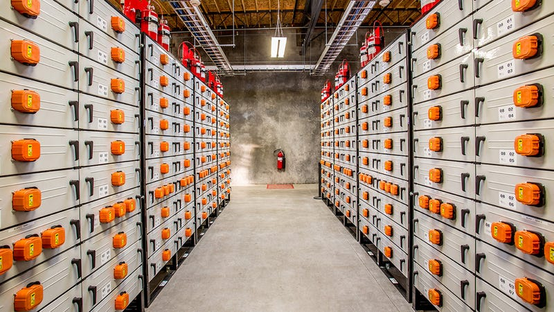 This Gigantic 5 MW Battery Can Power a Village