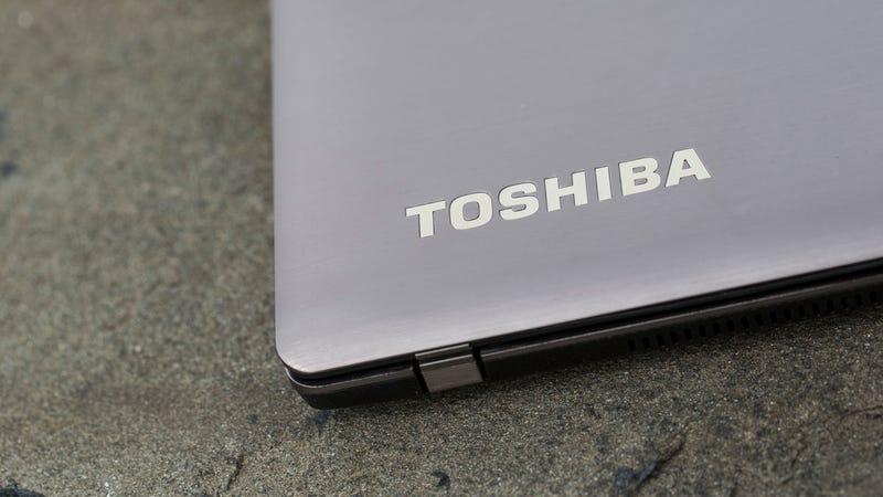 Toshiba Satellite U845W Gallery