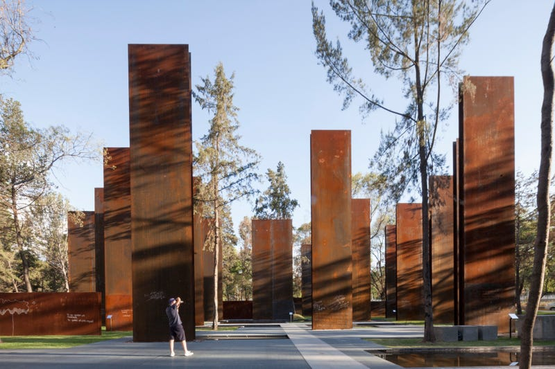 Can Mexico's Drug War Memorial Honor Both Victims and Criminals?