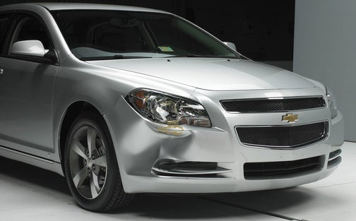 "IIHS: No Mid-Size Cars Score ""Good"" In Low-Speed Collisions"