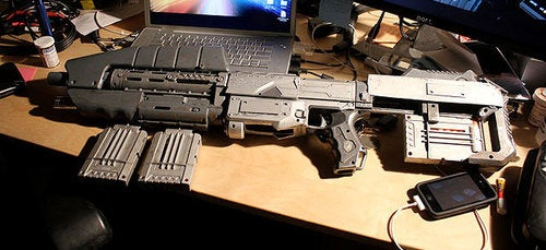 A Working Halo Assault Rifle Is a Terrifying Thing