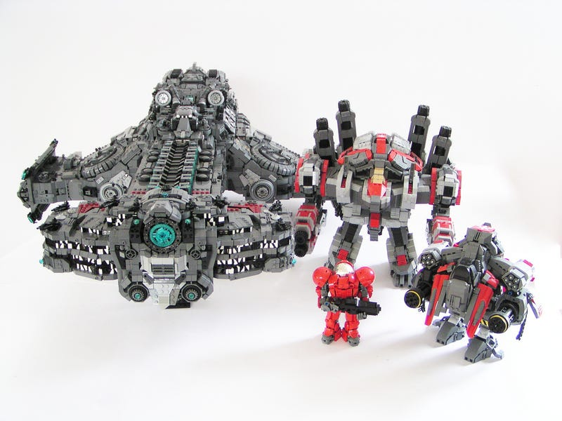 LEGO StarCraft Battlecruiser is Terrifyingly Detailed
