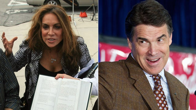 Anti-Islam Nut Sees an Enemy in Rick Perry
