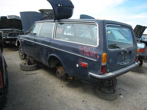 Volvo 145 Languishes, Alone And Unloved, In East Bay Junkyard