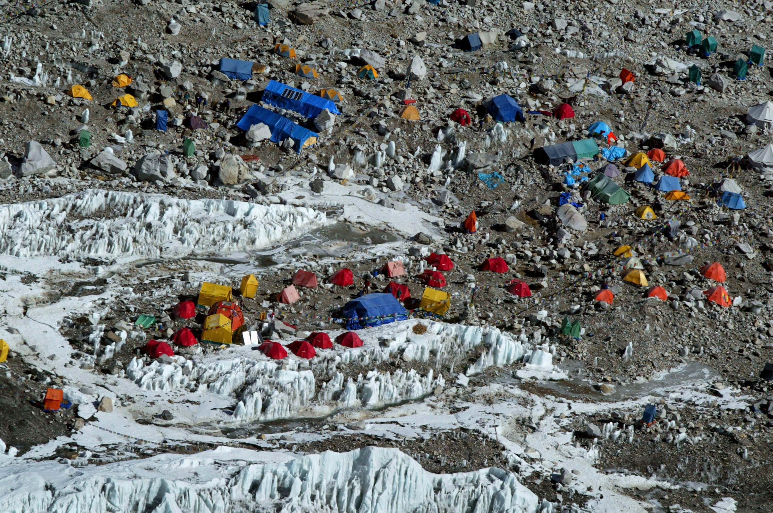 Nepal Will Force Each Everest Climber To Collect 18 Pounds