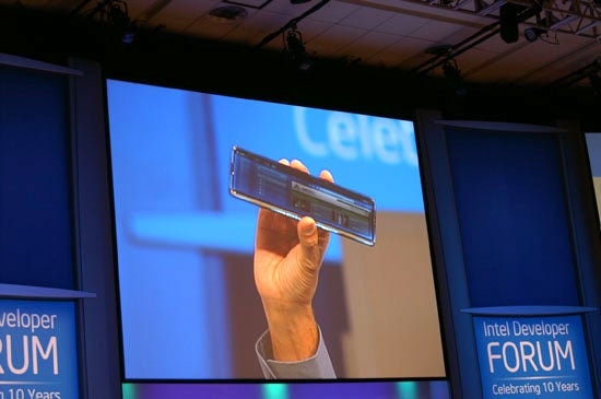 Intel Sends in the iPhone Clones at IDF '07