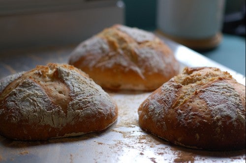 Lifehacker Labs: Saving Space in Gmail, Shape-Shifting Bokeh, Delicious Homemade Bread, and More