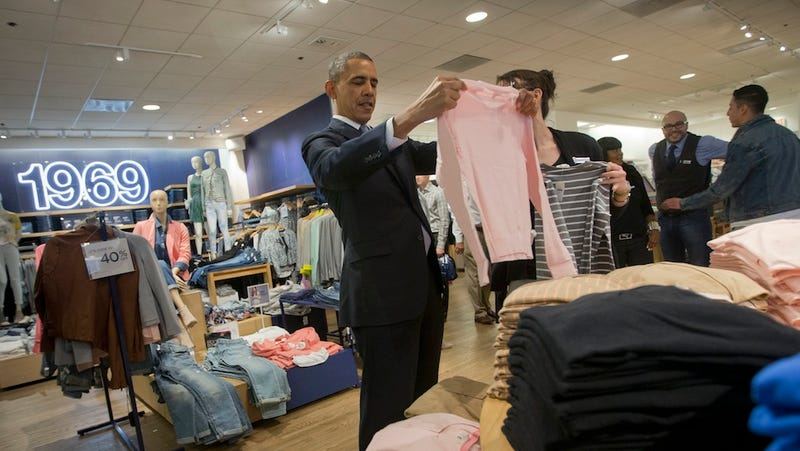 Obama Spent His Lunch Break Picking Up a Few Items at the Gap