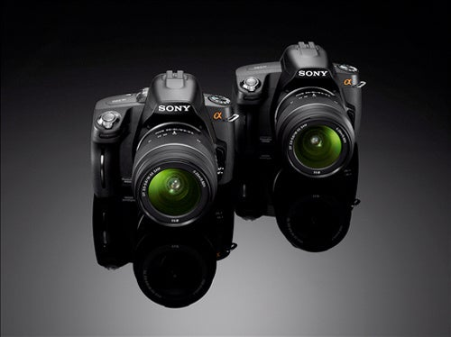 Sony A390 and A290 Are Entry-Level DSLRs With Only a Quick AF Live View Difference
