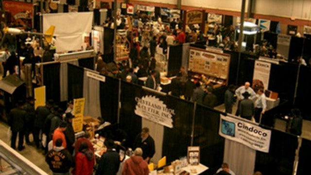 Inside an Amish Tech Trade Show
