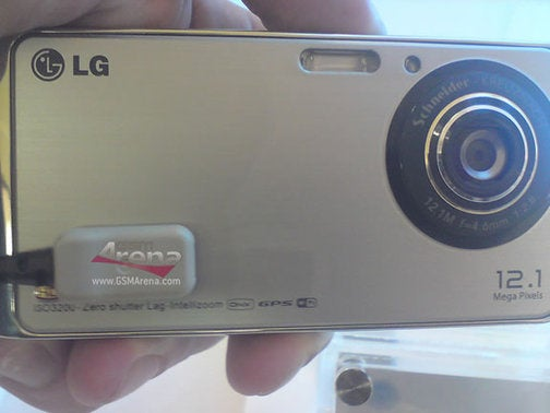 LG GC990 Louvre Cameraphone Shoots 12MP Photos, 720p Video
