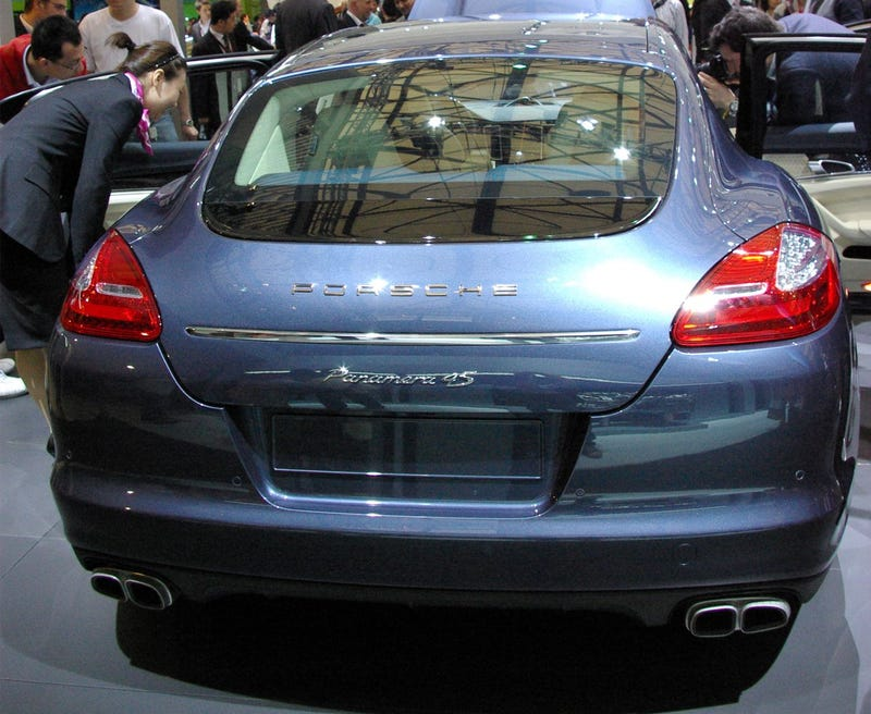 Porsche Panamera: Bigger, Longer And With A Larger Butt