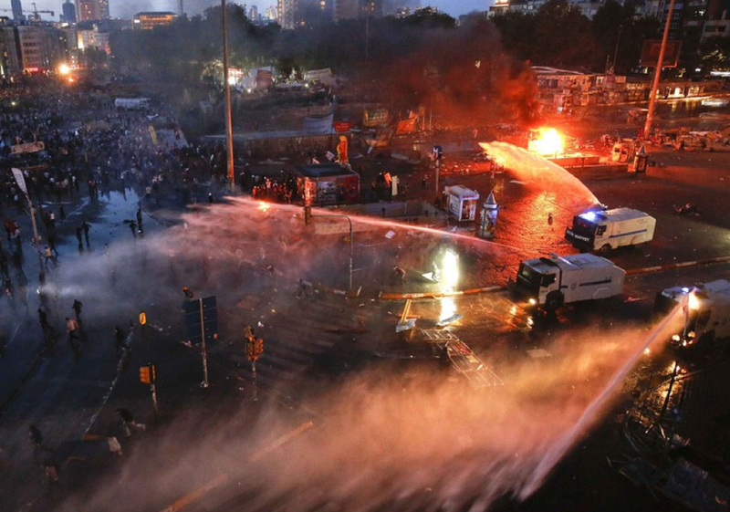 Turkish Police Return to Taksim with More Water Cannons and Tear Gas