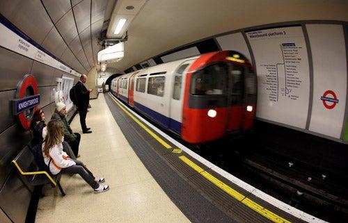 Runaway Subway Blows Through Six Stations with No Driver