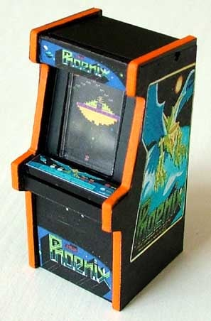 Tiniest Vintage Arcade/Pinball Machine Models For Your Desk