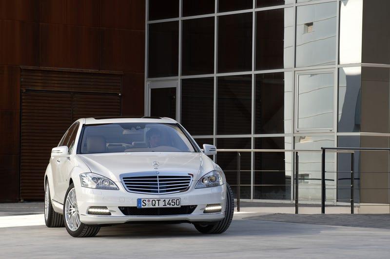 2010 Mercedes S400 Hybrid: World's Most Efficient Gas-Powered Luxury Car