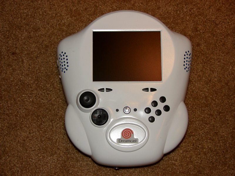 Homemade Handheld Dreamcast is the Stuff Dreams are Made Of