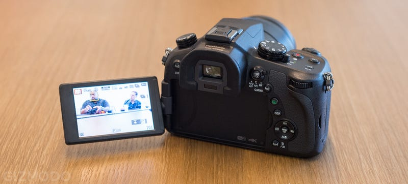 Panasonic FZ1000: A Large-Sensor Super Zoom That Shoots 4K Video