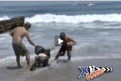 Surfing Matt McConaughey Fans in Paparazzi Beat-Down