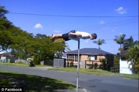 "Man Dies Due to A New Facebook Craze Called ""Planking"""