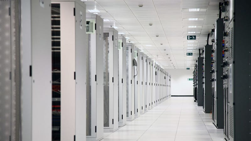 US Government Shutting Down 40% of Its Data Centers