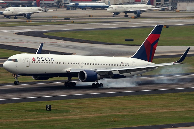 UPDATE: Delta Flight Returns To JFK Because Of Sick Passenger, Evacuated Over Suspicious Wires
