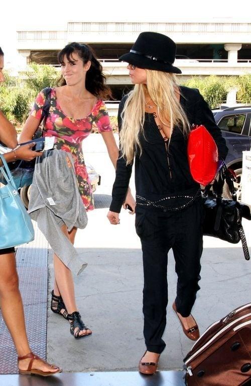 Lindsay Takes Ali Bar-Hopping; Megan Fox Wants To Shoot Her Boyfriend
