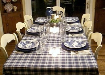 Structure Your Next Meeting Like a Dinner Party