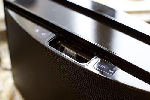 Cignias NAO Symphony Review: A Wireless iPod Dock for Blackberrys